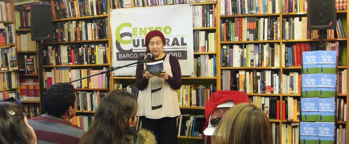 Jacqueline Donado lee en Barco de Papel